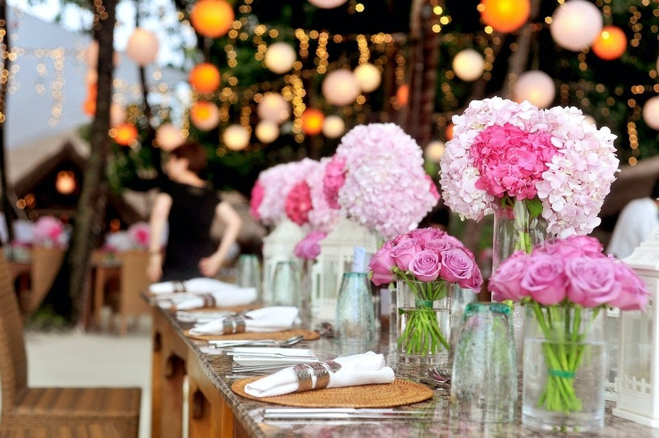 hosting outdoor wedding at home