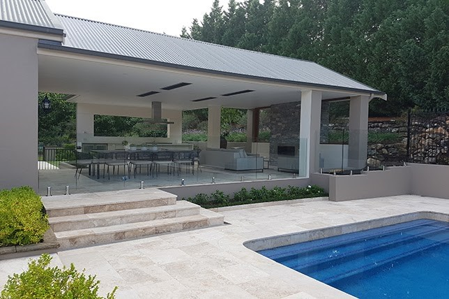 Outdoor-Space-Water-Feature