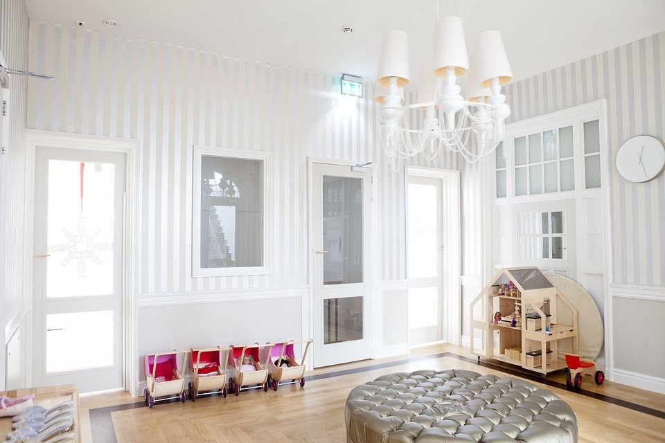 light kids' room with plenty of space and no clutter