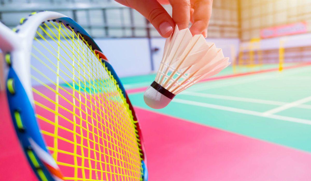 playing-badminton